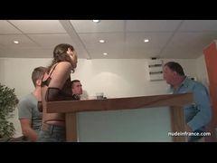 Morena putinha dando cu pela primeira vez pra o Sandro
