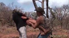 Dois tarados fodendo a mulata gostosa no mato